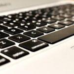 ノートパソコンのキーボードボタンが壊れた(取れた)時の対処法は?